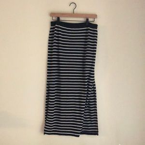 Double slit navy and white striped Gap skirt.